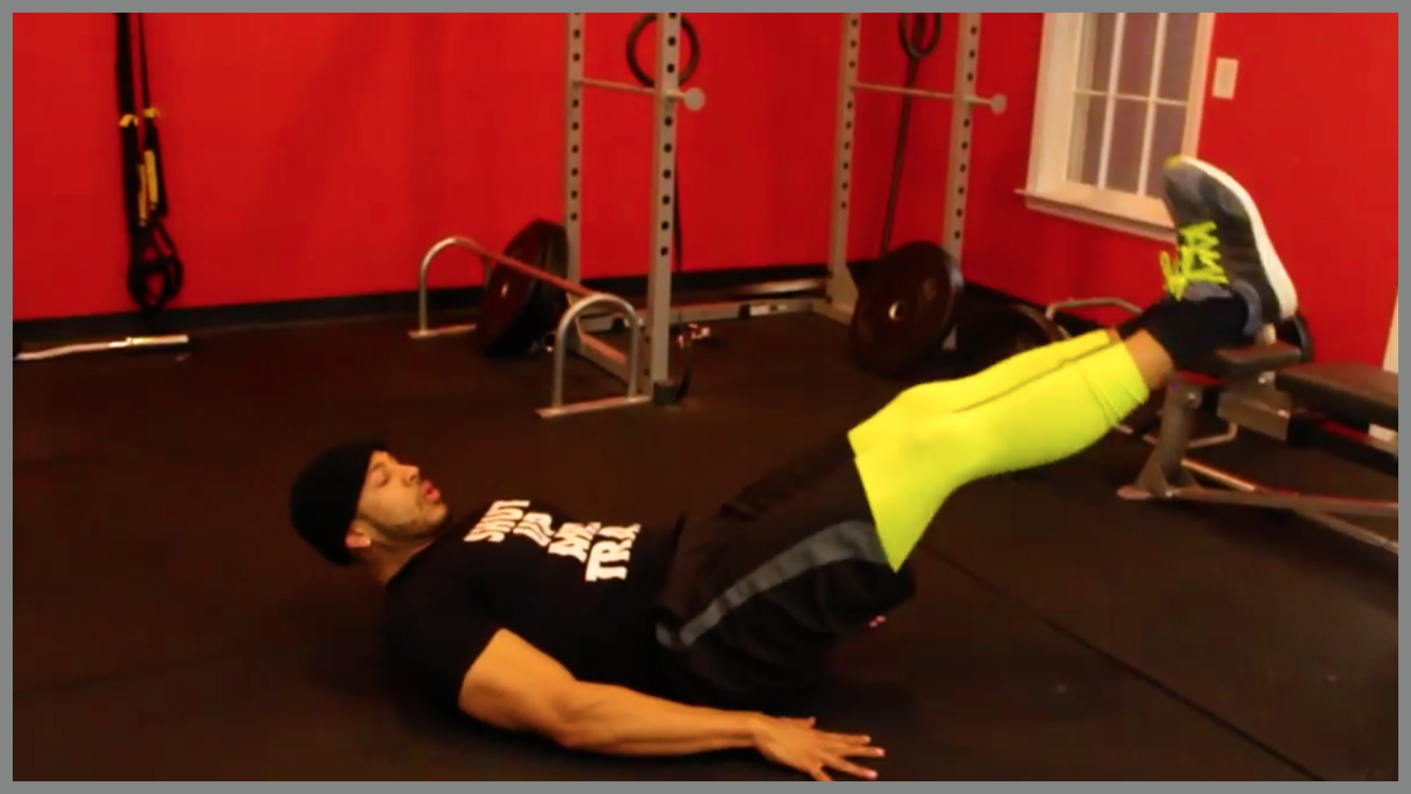 Leg Raise / Open Close